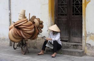 hanoi-street-vendor-wiki
