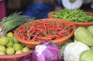 Hoi An street food istock1